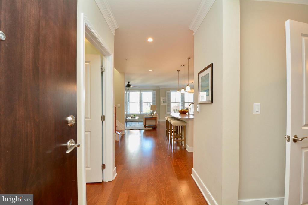 Foyer - 1418 N RHODES ST #B410, ARLINGTON