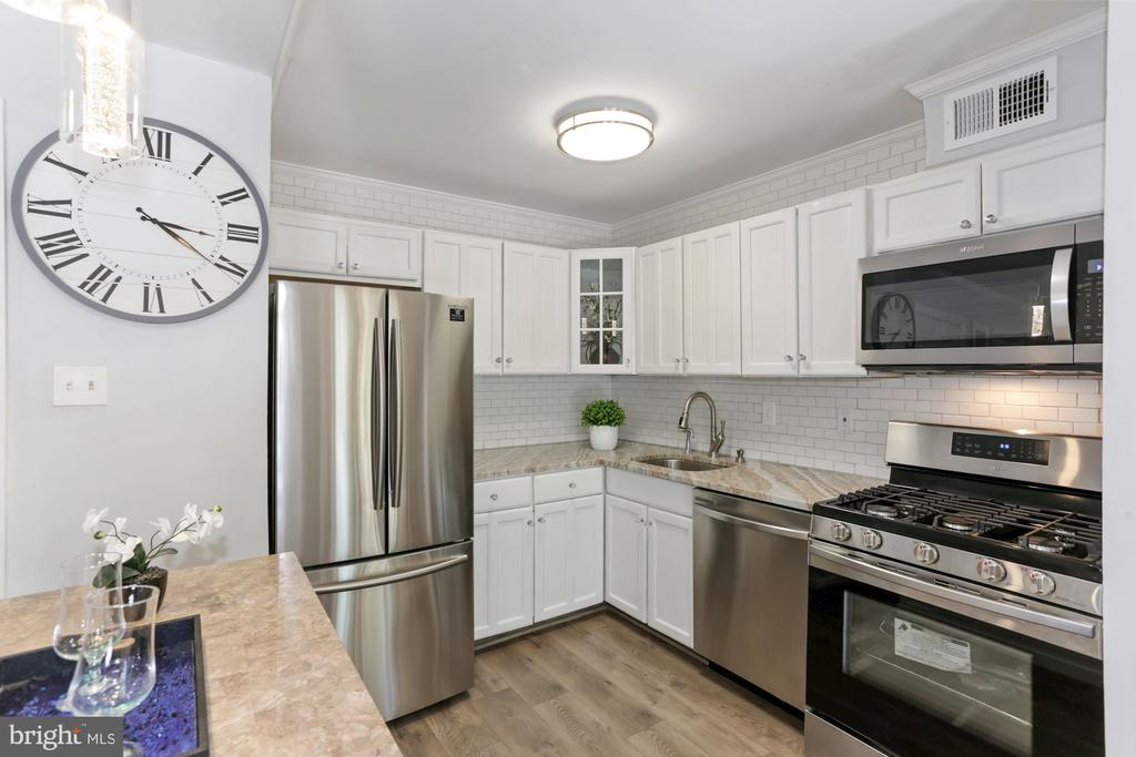 - 125-K CLUBHOUSE DR SW #7, LEESBURG