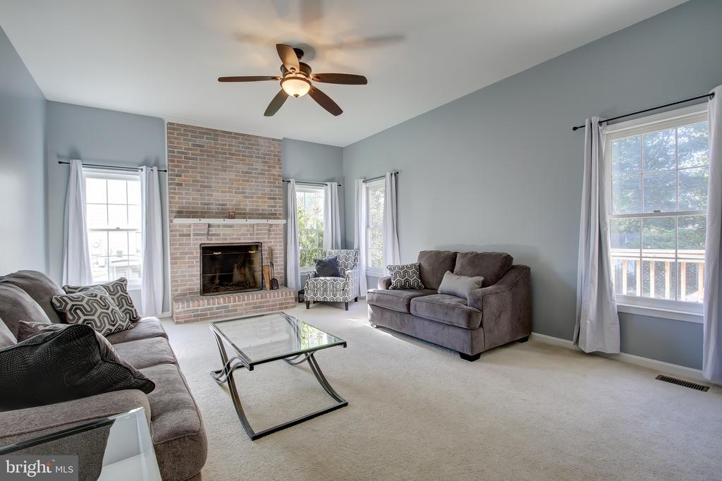 Family Room - 3749 HETTEN LN, WOODBRIDGE