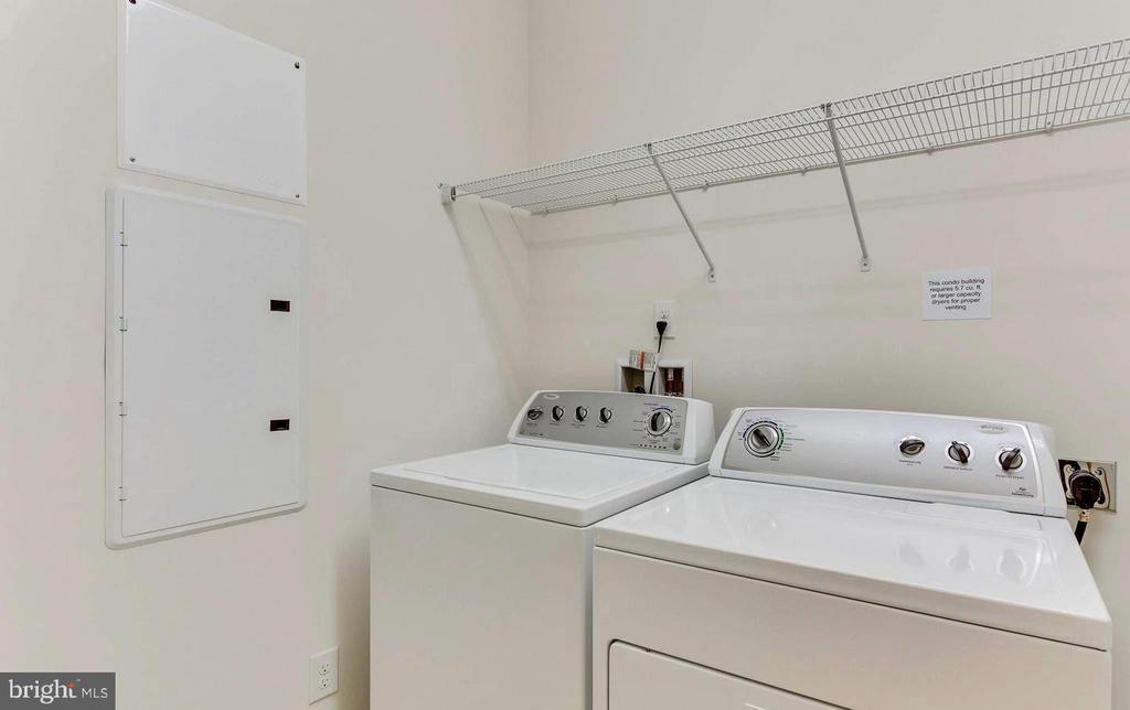 Laundry ROOM (not just a closet) - 9202 CHARLESTON DR #301, MANASSAS