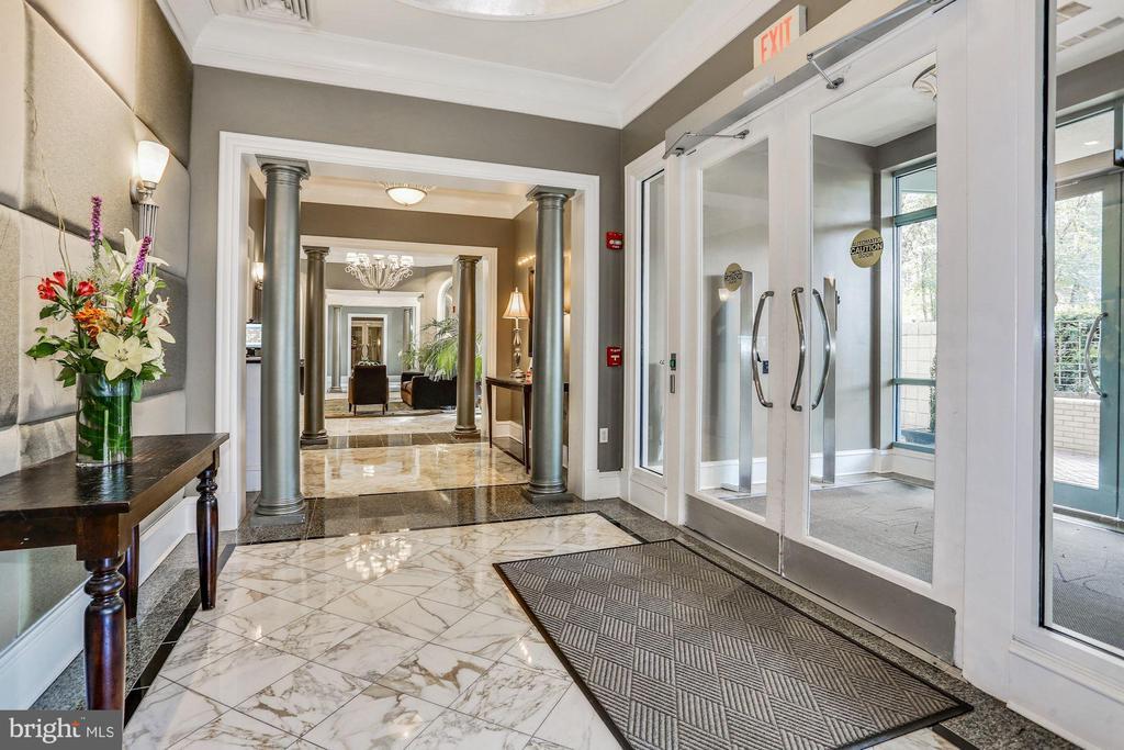 Main Lobby - 851 N GLEBE RD #1117, ARLINGTON