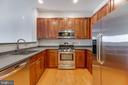 Stainless steel appliances! - 12001 MARKET ST #440, RESTON
