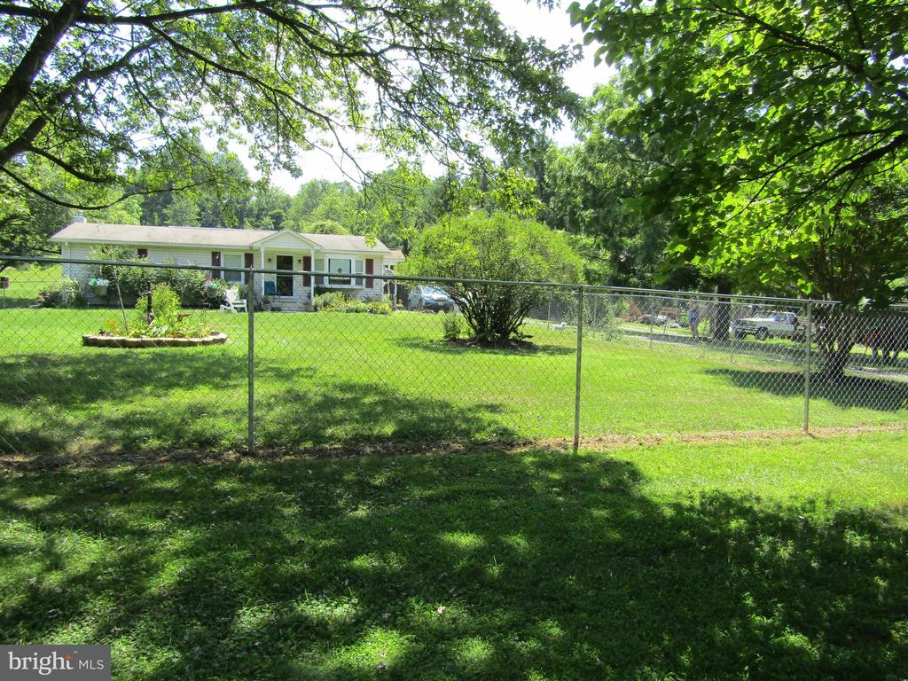 Classic Ranch Style Home on Awesome 2 Acre Lot!! - 7435 MOUNTAIN LAUREL RD, BOONSBORO