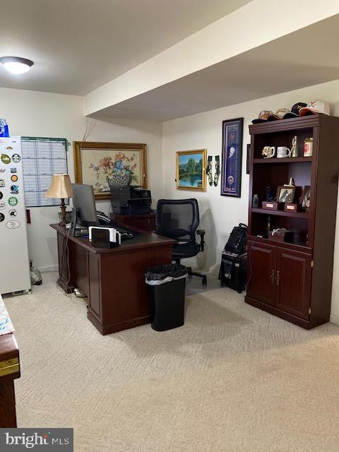 Man cave also has a nice office area - 43180 KATAMA SQ, CHANTILLY