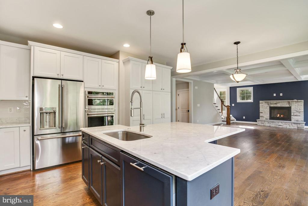 Kitchen with  Cafe Appliances - 3414 BURROWS AVE, FAIRFAX