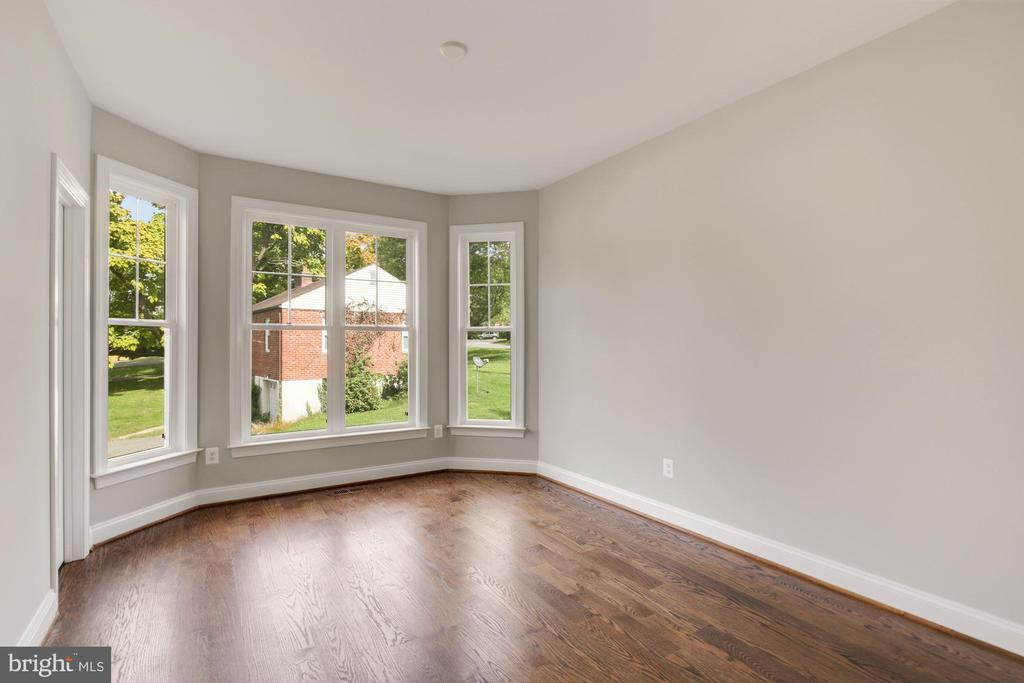First Floor Bedroom/In-Law Suite - 3414 BURROWS AVE, FAIRFAX