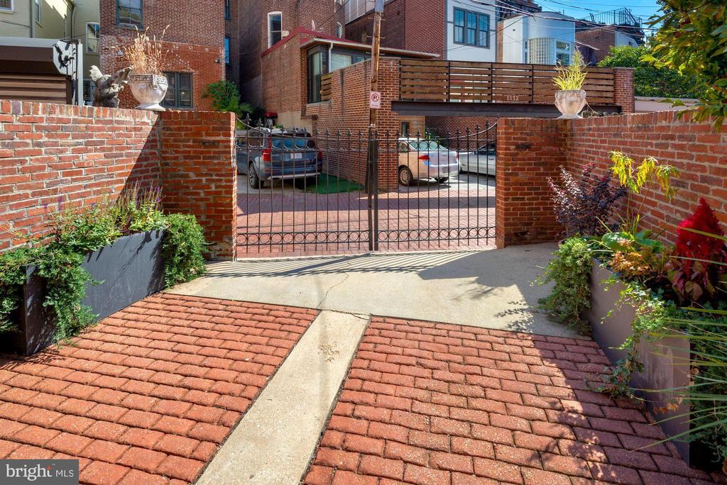 Beautiful brick driveway with iron gate - 1310 RHODE ISLAND AVE NW, WASHINGTON