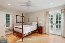 In-law suite/Master bedroom with French doors - 3540 N VALLEY ST, ARLINGTON