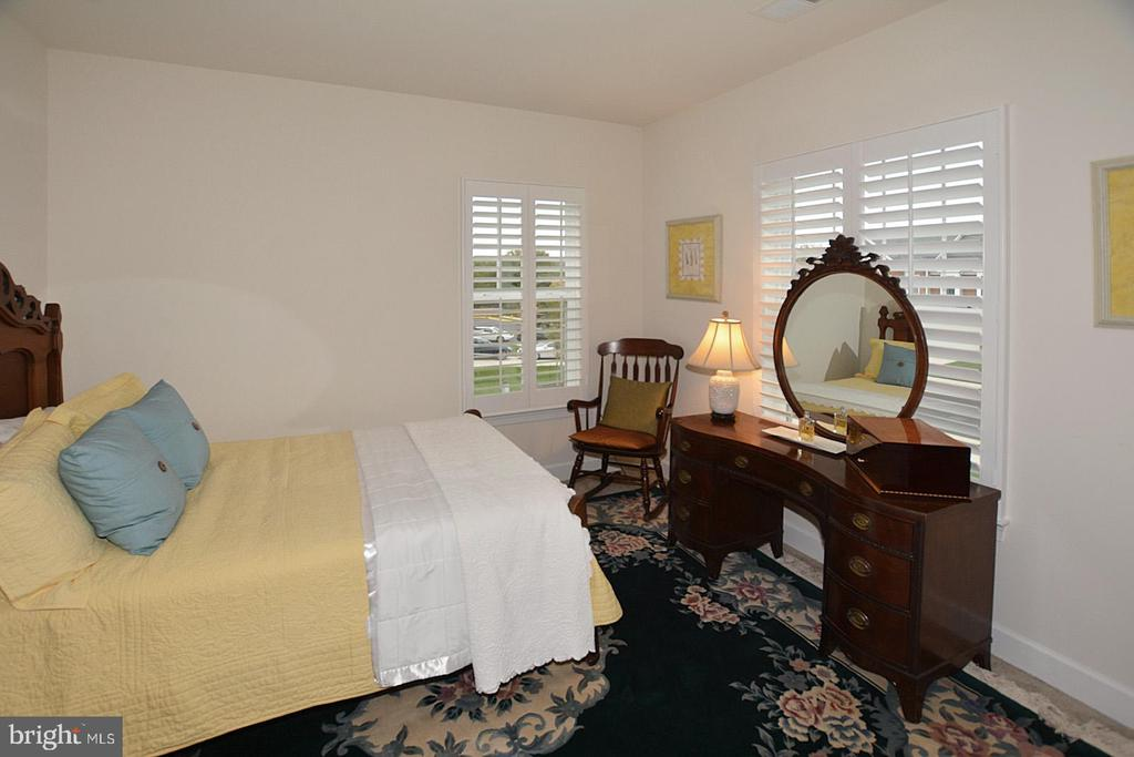 Third upper level bedroom - 7614 CHESTNUT ST, MANASSAS