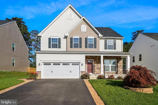 18 CLEAR SPRING LN