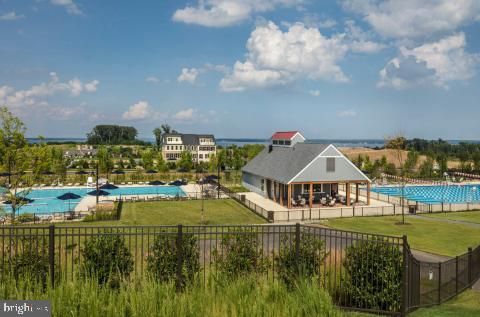 Shores Club Lap & Leisure Pool With Snack Shack - 2480 POTOMAC RIVER BLVD, DUMFRIES