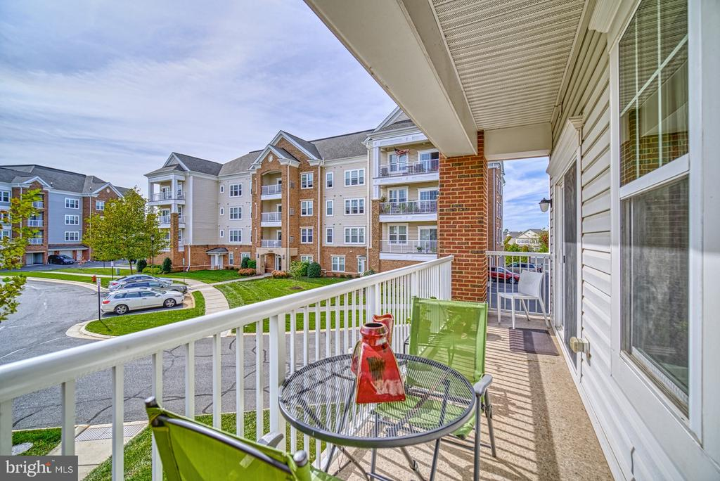Enjoy Morning Coffee and Long Evenings - 20590 HOPE SPRING TER #207, ASHBURN