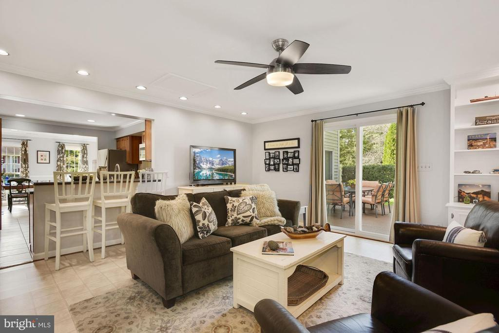 Great space for gatherings - 7 COLEMAN LN, STERLING