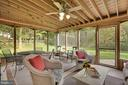 Beautiful screened-in porch off  family room - 7 COLEMAN LN, STERLING