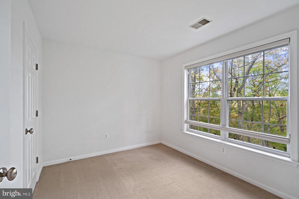 Secondary Bedroom #2 - 11644 SANDAL WOOD LN, MANASSAS