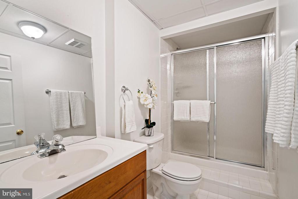 Lower Level Bathroom - 11644 SANDAL WOOD LN, MANASSAS
