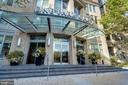 Welcome to One Park Crest Condominium - 8220 CRESTWOOD HEIGHTS DR #1916, MCLEAN