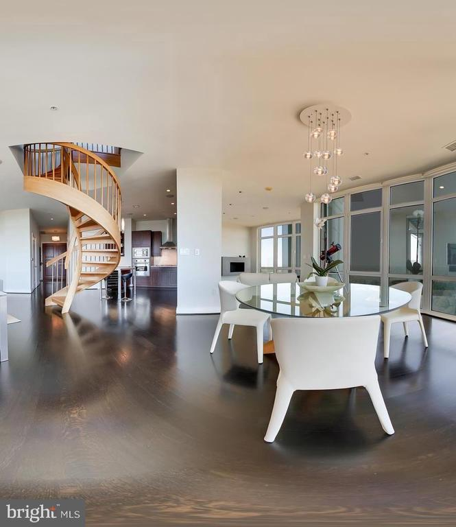 Dramatic space with views from everywhere - 8220 CRESTWOOD HEIGHTS DR #1916, MCLEAN