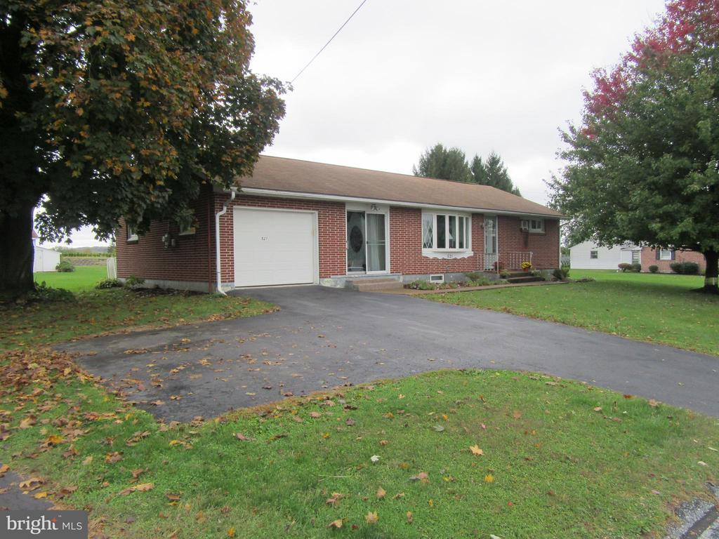 521 W WASHINGTON AVE, Myerstown PA 17067