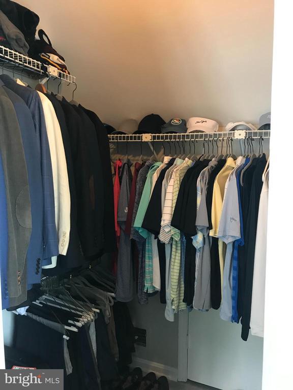 Walk-in closet - 46 N BEDFORD ST #46B, ARLINGTON
