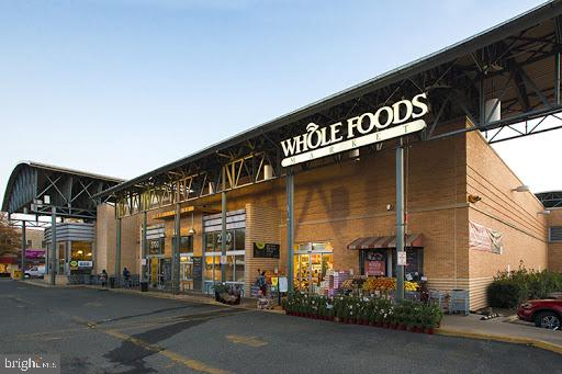 Minutes to whole foods - 46 N BEDFORD ST #46B, ARLINGTON