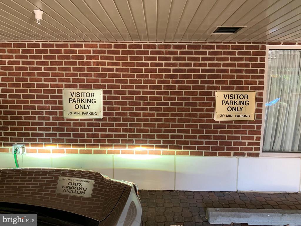 Guest Parking - 1276 N WAYNE ST #308, ARLINGTON