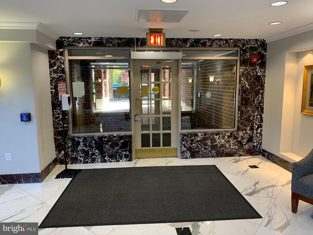 Entrance - 1276 N WAYNE ST #308, ARLINGTON