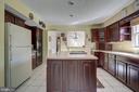 Open Kitchen Layout w/ Island Space - 8 LITTLE ROCKY RUN LN, STAFFORD