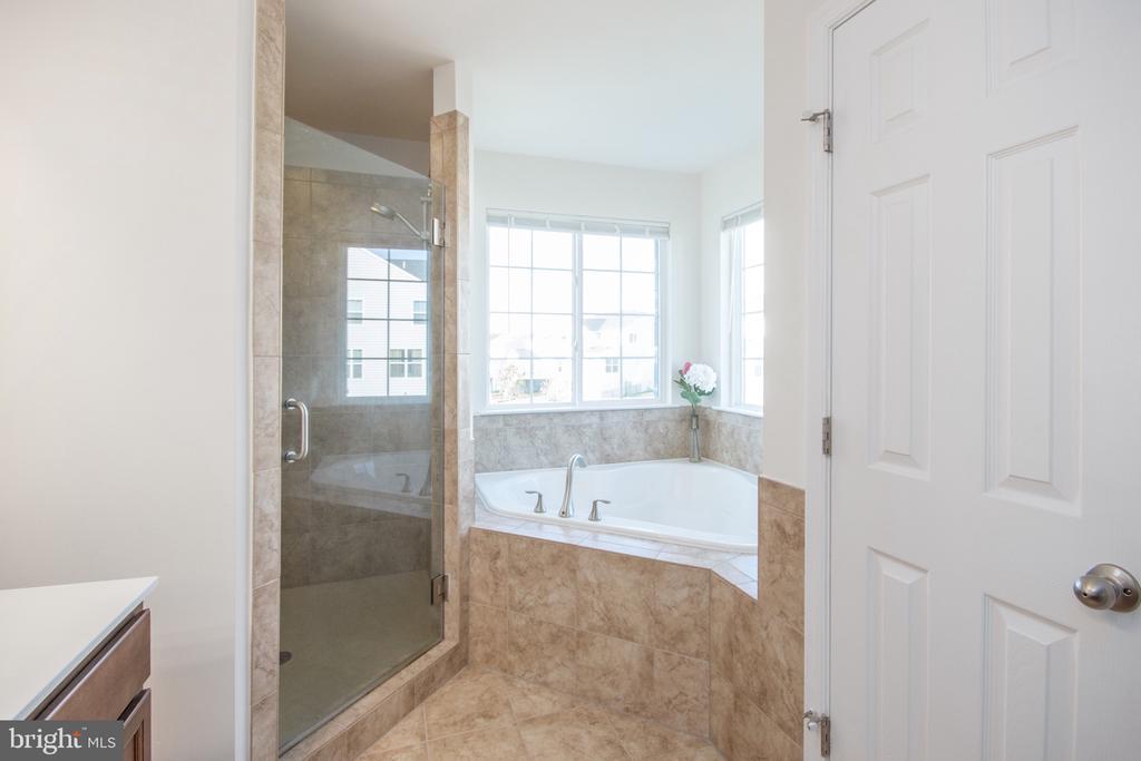 Spa Shower - 3479 SHANDOR RD, WOODBRIDGE