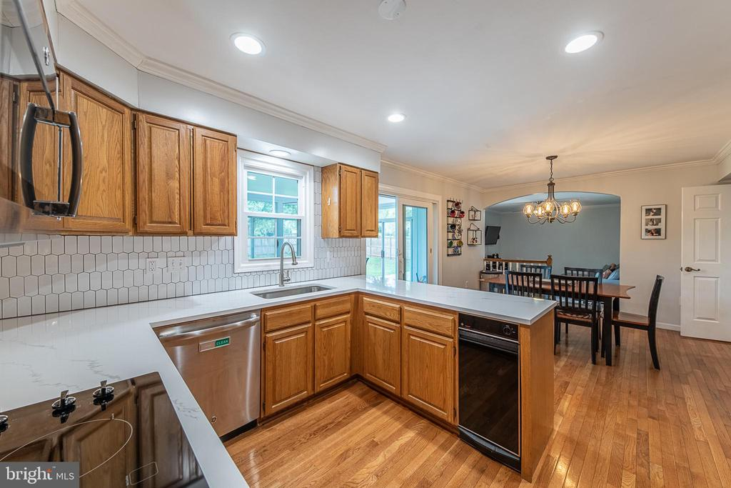 Updated kitchen - 9219 GREENGATE CT, MANASSAS