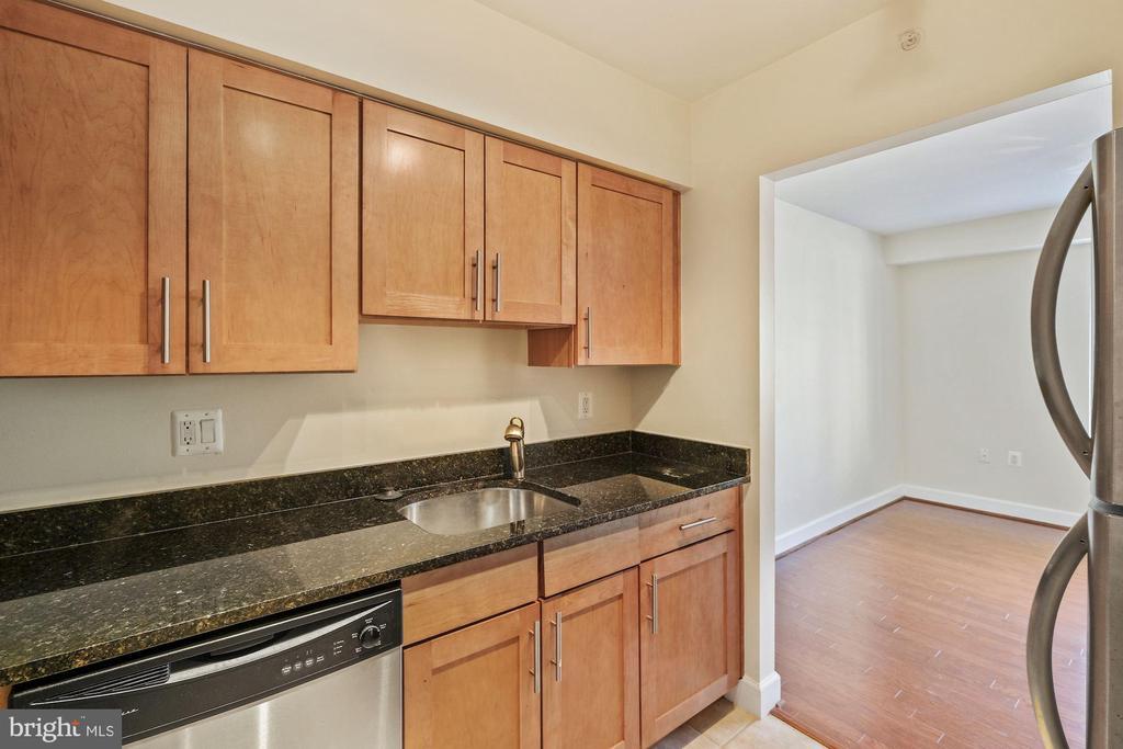 Pristine Kitchen - 3800 PORTER ST NW #302, WASHINGTON