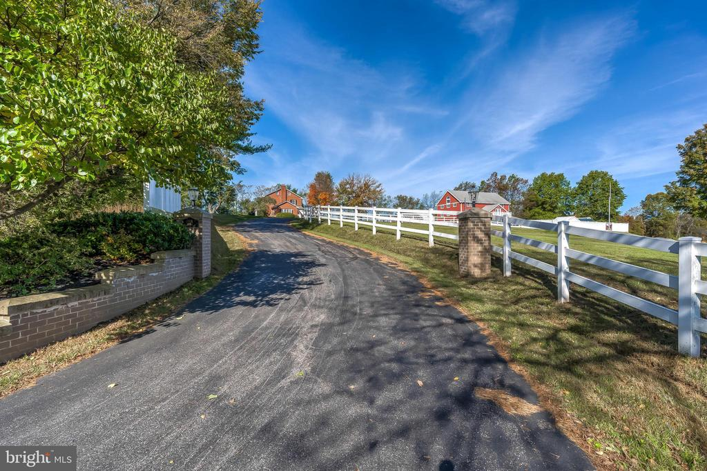 Approach - 17706 OLD FREDERICK ROAD, MOUNT AIRY