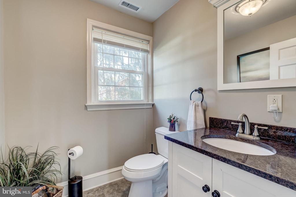 Powder Room - 17706 OLD FREDERICK ROAD, MOUNT AIRY