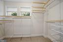 Huge owner's walk-in closet - 1418 N RHODES ST #B113, ARLINGTON