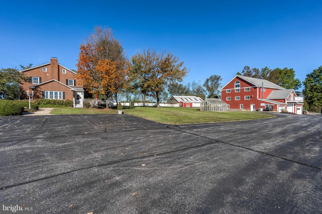 House and Barn - 17706 OLD FREDERICK ROAD, MOUNT AIRY