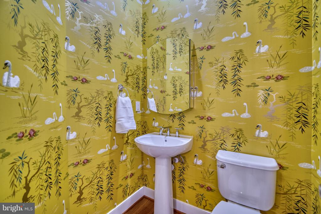 Custom wallpaper and hardwoods in half bath - 2990 DISTRICT AVE, FAIRFAX