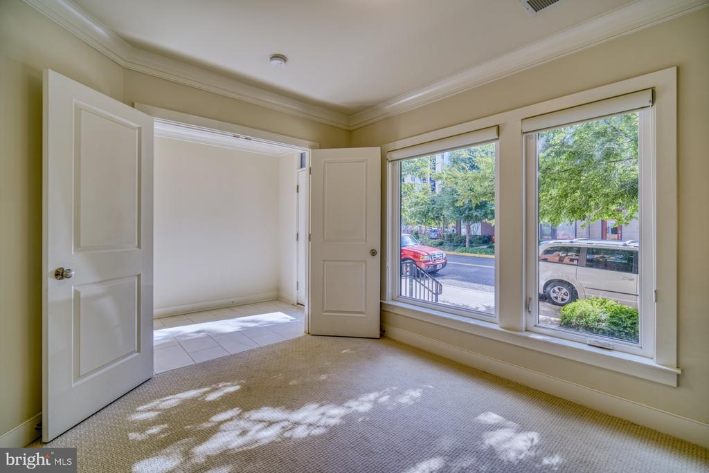 Double doors and large windows bring in the light - 2990 DISTRICT AVE, FAIRFAX