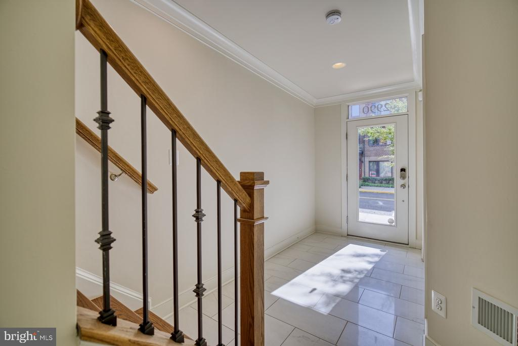 Wide foyer feat. marble tile and video security - 2990 DISTRICT AVE, FAIRFAX