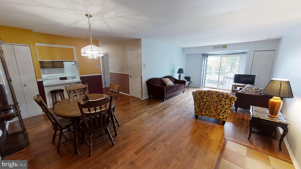 Hardwood Floors in Dining and Living Room - 161 N EMORY DR #8, STERLING