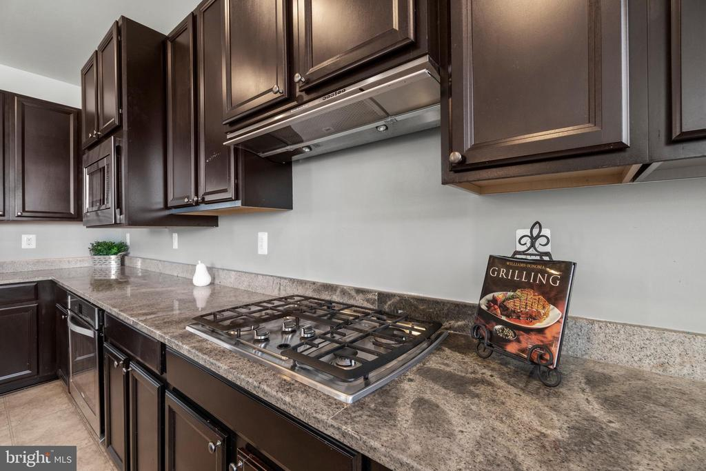 Gas Cooktop Range - 7 FLINT CT, STAFFORD