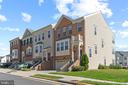 Large End Unit Luxury Townhouse - 7 FLINT CT, STAFFORD