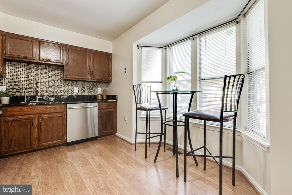 Eat-in kitchen - 9698 POINDEXTER CT, BURKE