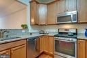 Open toward living area for ease of conversation - 9202 CHARLESTON DR #301, MANASSAS
