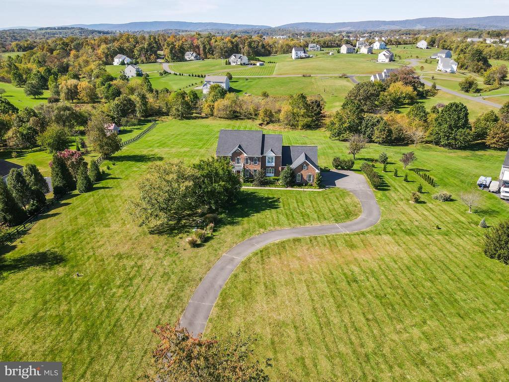 Look at those mountain views! - 18109 OAK RIDGE DR, PURCELLVILLE
