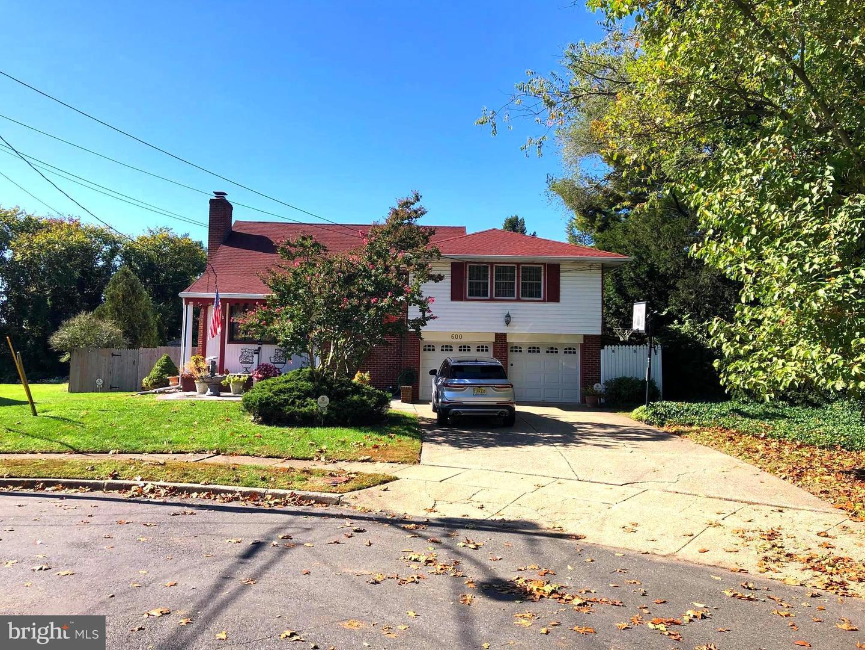 Single Family Homes para Venda às Cinnaminson, Nova Jersey 08077 Estados Unidos
