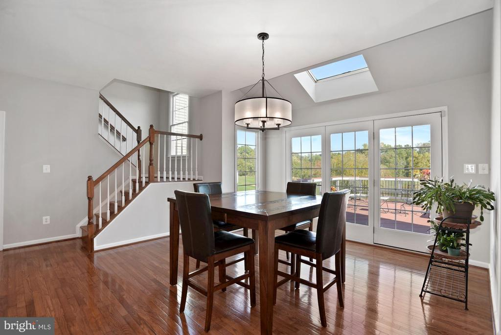 Large Breakfast Area w/ Great Views - 19658 OLYMPIC CLUB CT, ASHBURN
