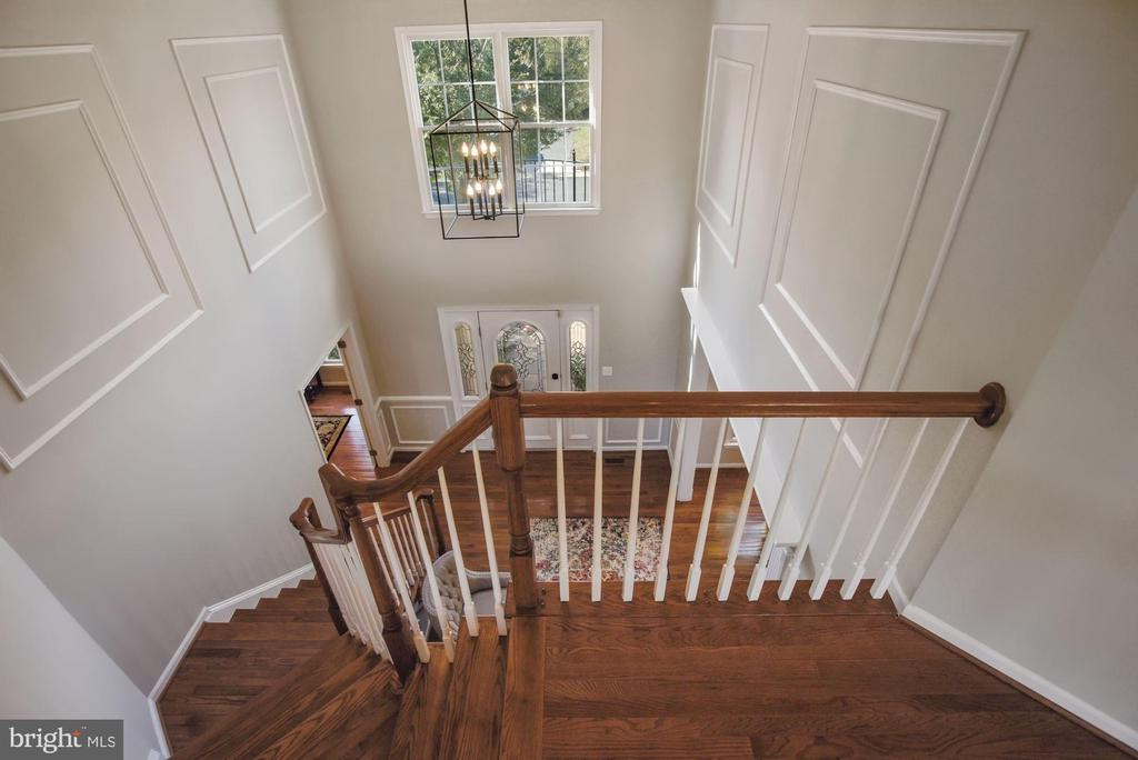 Two Story Foyer Overlook - 19658 OLYMPIC CLUB CT, ASHBURN