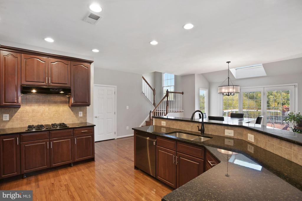 Open to Breakfast Area and Rear Staircase - 19658 OLYMPIC CLUB CT, ASHBURN