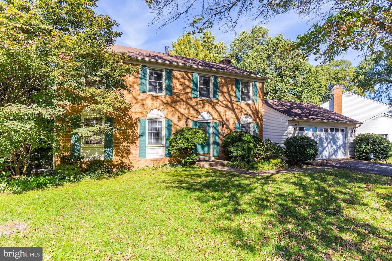 Single Family Homes para Venda às Burke, Virginia 22015 Estados Unidos