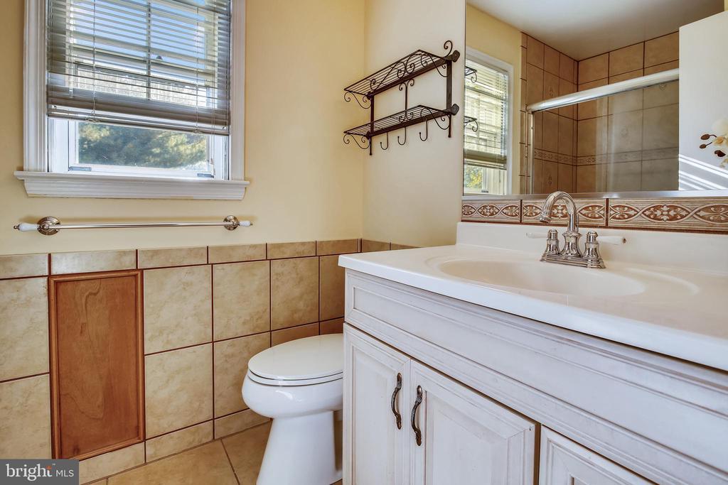 Primary Bathroom - 1636 STOWE RD, RESTON